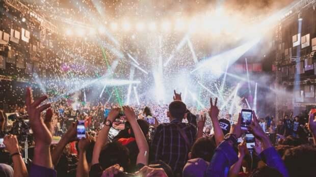 Отмена концертов в Петербурге: переживет ли российская музыка новую COVID-волну