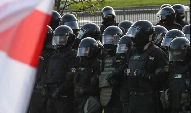 МВД Белоруссии готово применить боевое оружие для поддержания порядка