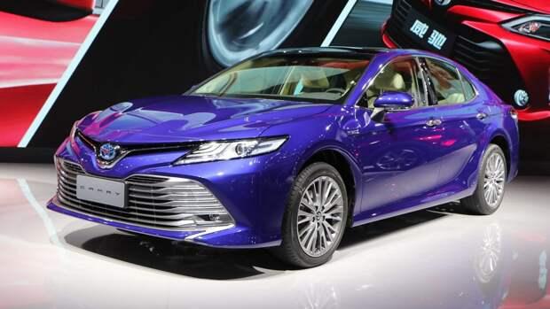 Во Владикавказе засняли уникальную Toyota Camry XV70 в кузове универсал