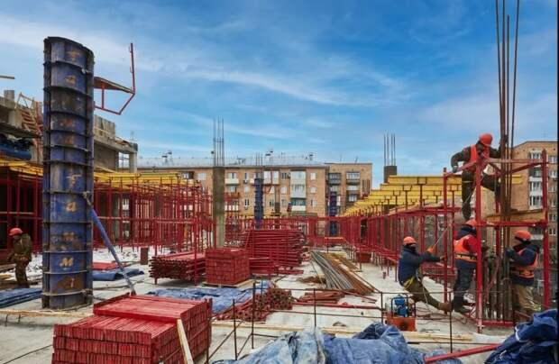 Районный центр «Баку» на улице Усиевича откроется к концу года