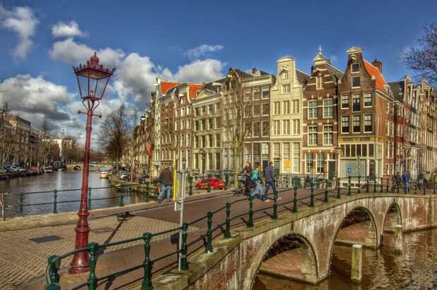 Голландцы встретят Рождество в условиях локдауна
