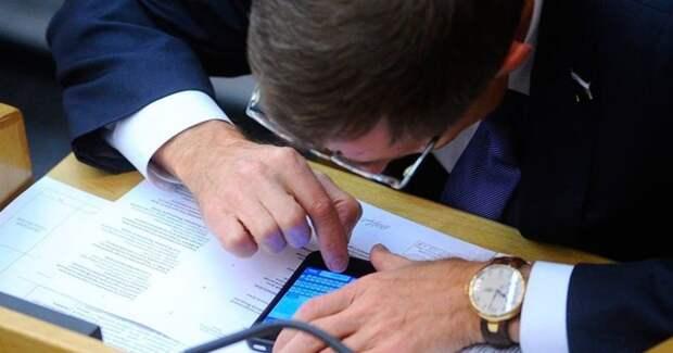 Опрос выявил процент бездельников, которые используют рабочий интернет не по назначению