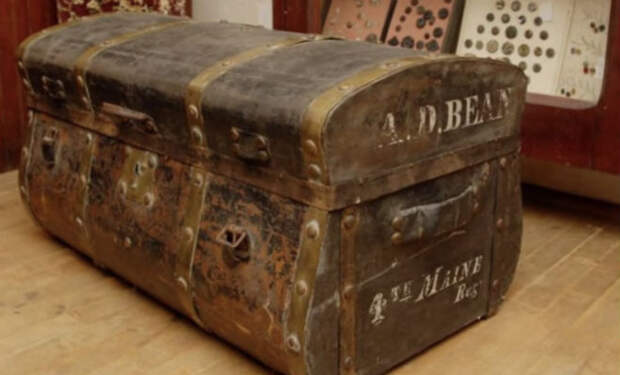 Сундук на чердаке больше 100 лет скрывал старую карту. Его решили выбросить и случайно открыли