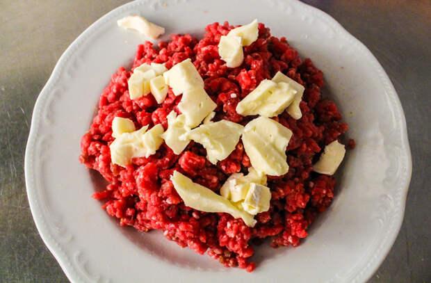 Тюльпаны из мяса: жарим на сковороде блюдо к празднику