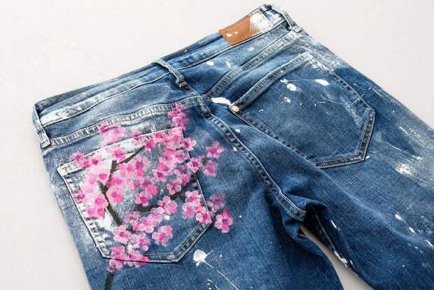 Красивое преображение обычных джинсов