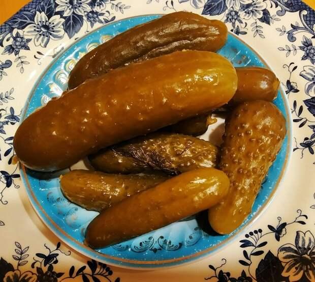Китайский блогер изучил соленые закуски разных стран, не забыв похвалить и русские огурчики