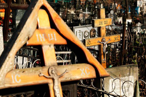 Власти заставляют жителей поселка скинуться на благоустройство кладбища