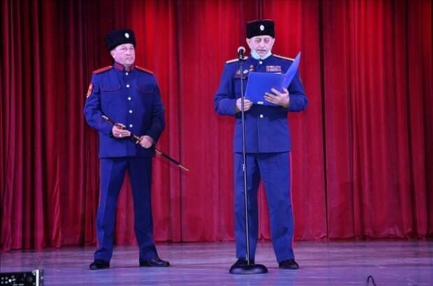 В Ефремове VIP-места в ДК отведены для администрации и казаков