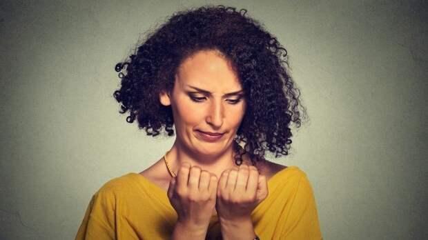 Очем сигнализируют желтые ногти?