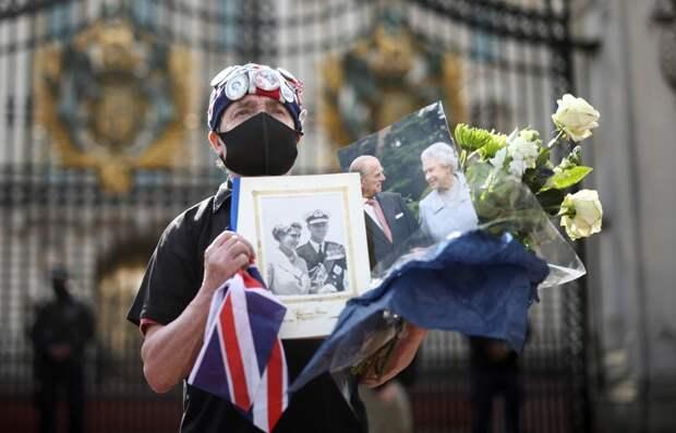 Елизавета II лишилась опоры: что значит смерть принца Филиппа для Британии
