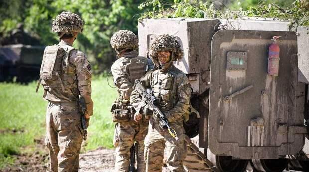 """США отправляют войска в Прибалтику для защиты от """"российской агрессии"""""""