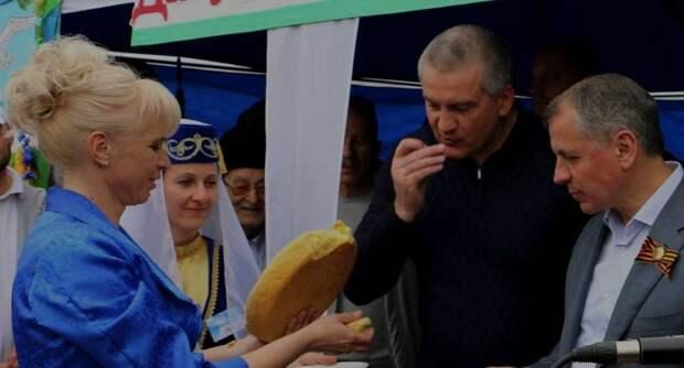 Аксенов призвал Константинова уволить своих керченских протеже