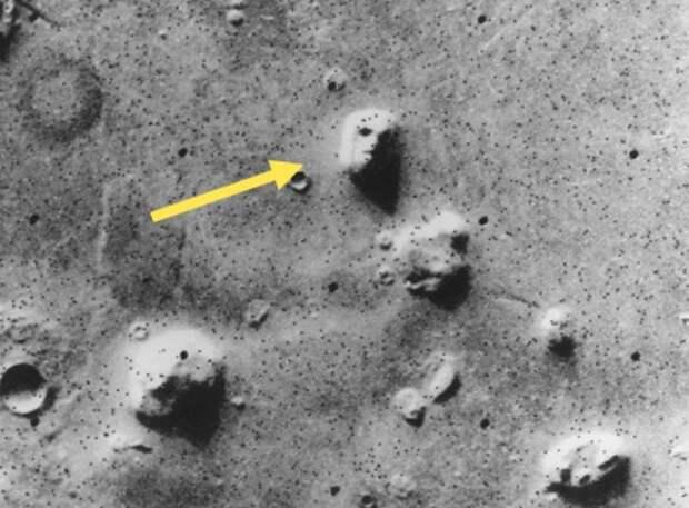 Призраки Марса: самые странные предметы на снимках планеты