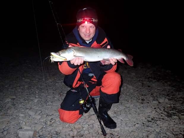 Черно-белая рыбалка