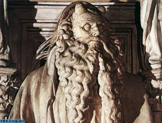 Скульптура Моисея на площадь Испании в центре Рима.