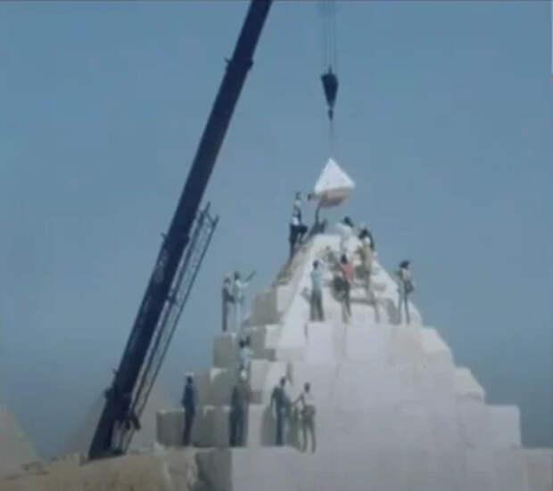 Копия пирамиды Хеопса выявила пробелы в версии официальной истории о технологии строительства. Их много, но я выделяю четыре