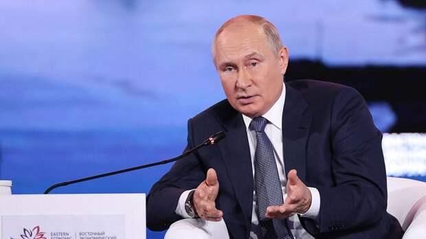 Путин поручил Газпрому повысить объемы газа в хранилищах Европы