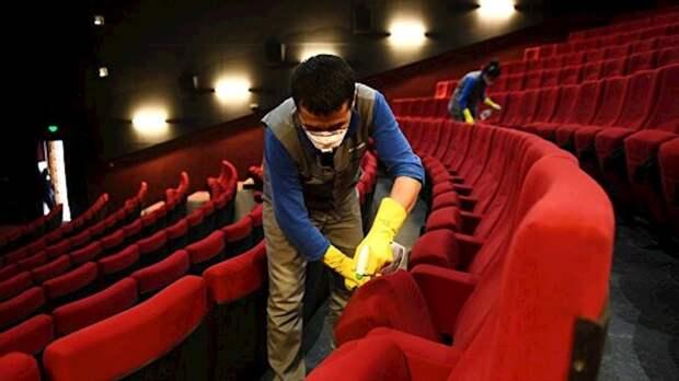 Правительство поручило закрыть кинотеатры в регионах