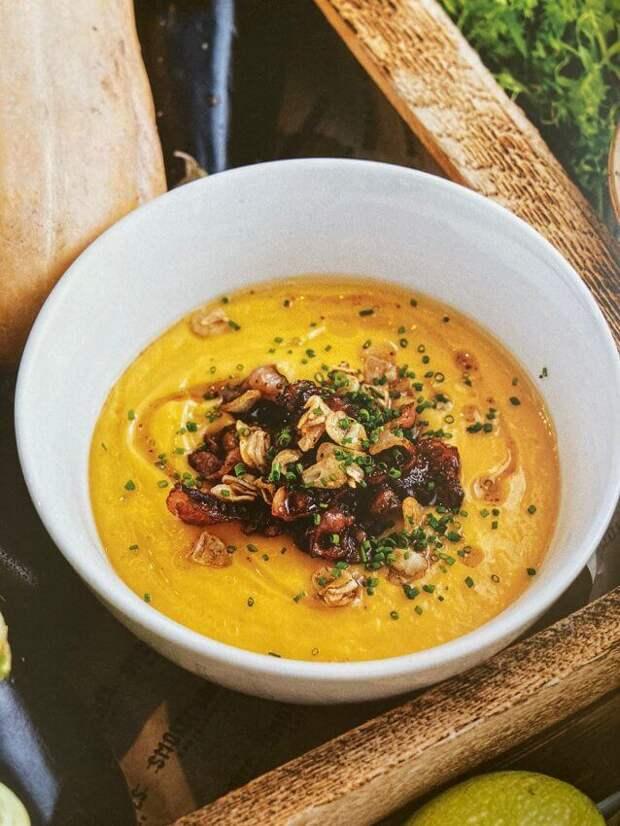 Крем-суп из печёной тыквы с беконом