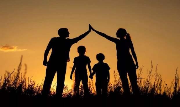 Муж на первом месте, ребенок — на втором. А на каком мама и жена?