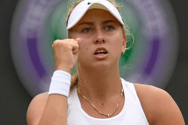 Анастасию Потапову в 3-м круге Australian Open ждет встреча с легендарной американкой Сереной Уильямс, а 19-летняя россиянка ест мороженое и загорает