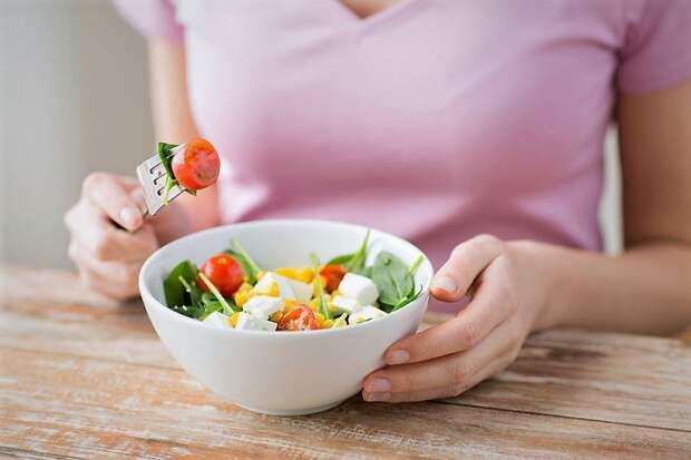 Правильное питание после праздников: как вернуться к привычному режиму?