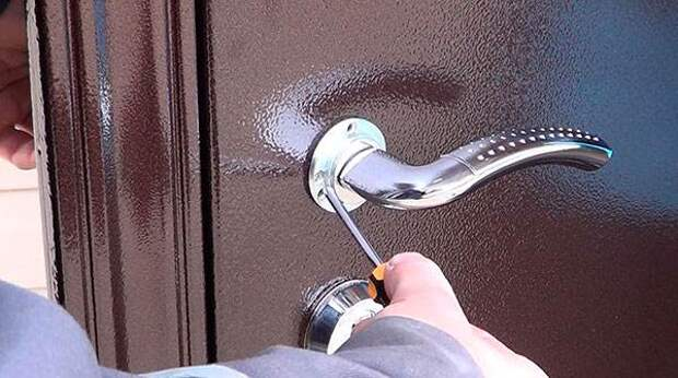 Профессиональный подход к ремонту дверей из металла