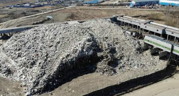 Жители Янино хотят закрытия МПБО-2: надоело жить рядом с воняющей свалкой