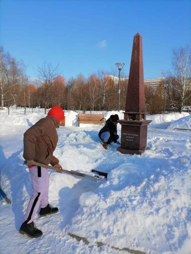 Учащиеся школы на Заповедной почтили память погибших героев войны