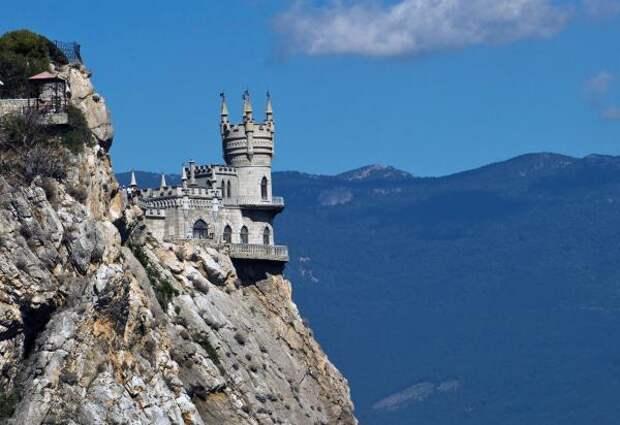 Туристов не пустят в Крым под видом командированных