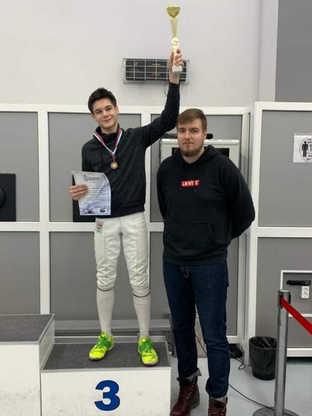 Восьмиклассник из Щукина взял бронзу на Всероссийском турнире по фехтованию