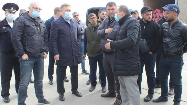 Работу оптового овощного рынка под Ростовом приостановили официально