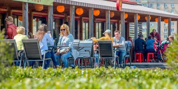 Три летних кафе откроются в Молжаниновском 1 апреля