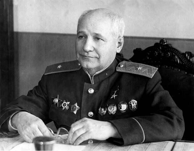 """Саргис Оганесян. Испытатель быстрокрылых """"Ту"""""""