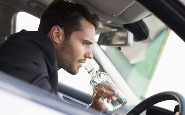 У пьяного водителя без прав забрали автомобиль, он приобрел другой и устроил гонки с полицией