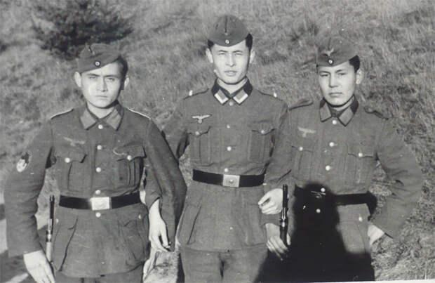 Власти Казахстана привлекли Духовное управление для героизации басмачей и пособников нацистов
