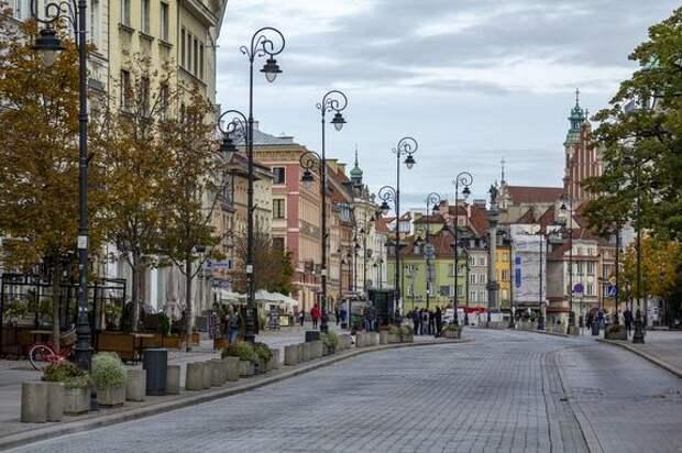 В Польше высмеяли главу Минобороны страны за слова о «российской угрозе»
