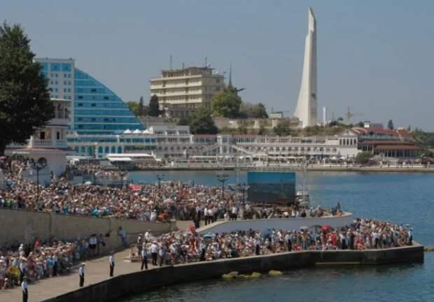 Рекордный наплыв туристов в Севастополе