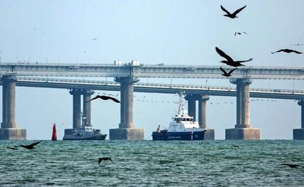 Совершенно секретная РЭБ: Кто «глушит» небо над Крымским мостом? Вход в Керченский пролив накрыт неопознанным «куполом молчания».