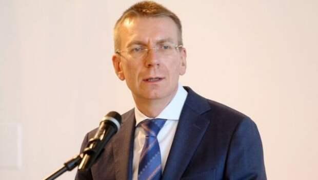 Закомпанию: Латвия высылает российского дипломата