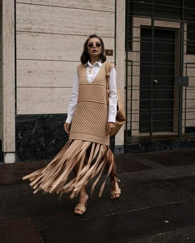 Опять на пике: как носить вязаный жилет и выглядеть стильной