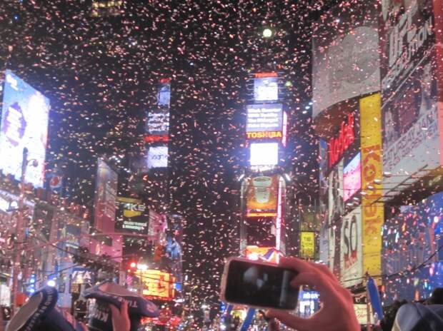 Жителям разных стран мира пришлось отказаться от новогодних традиций из-за пандемии