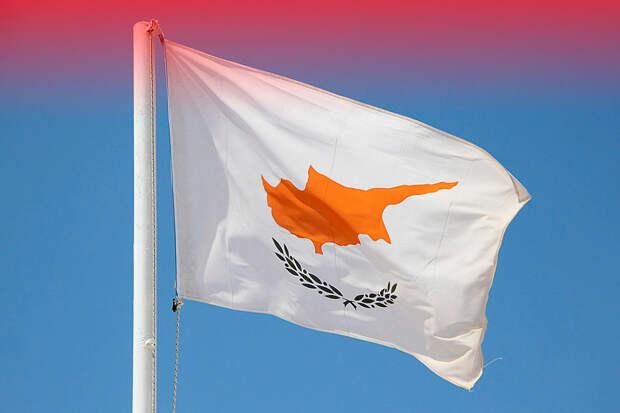 Кипр объявил о введении жесткого карантина в стране