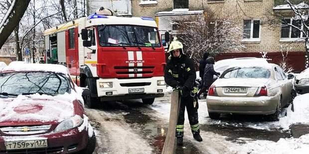 Огнеборцы спасли десять человек