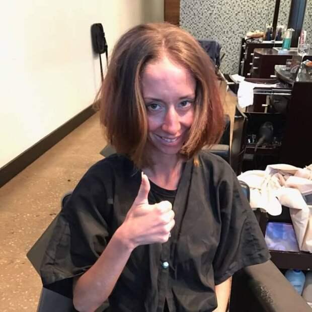 Мастер обрезал ей волосы почти в ноль!