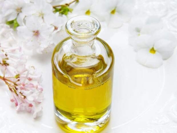 glass-4108085_1280-2-1024x768 Оливковое масло для домашнего ухода за волосами