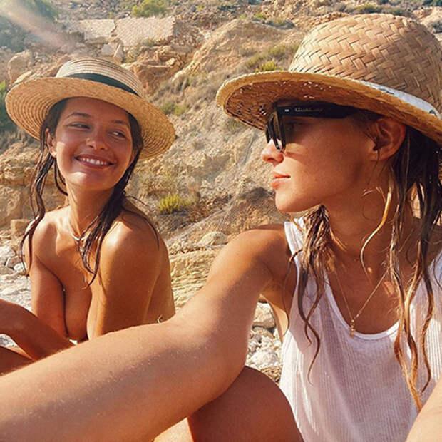 Саша Лусс с подругой