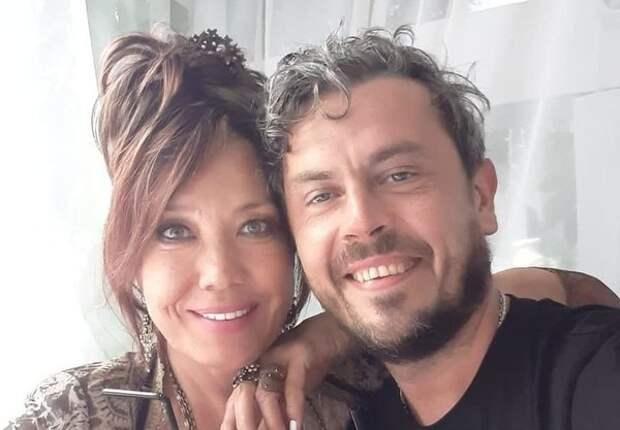Новоиспеченный муж Азизы нашел суррогатную мать в Италии