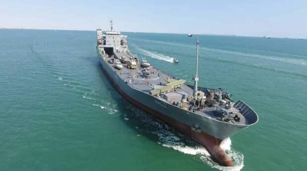 Передовые плавучие базы для ВМС КСИР