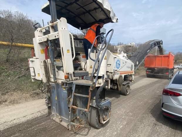 На южном берегу Крыма проходит ремонт участков автодорог